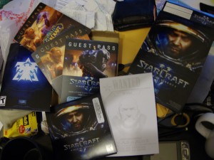 Unboxing Starcraft 2 (Standard Edition)